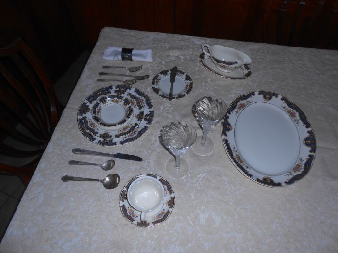 place setting a