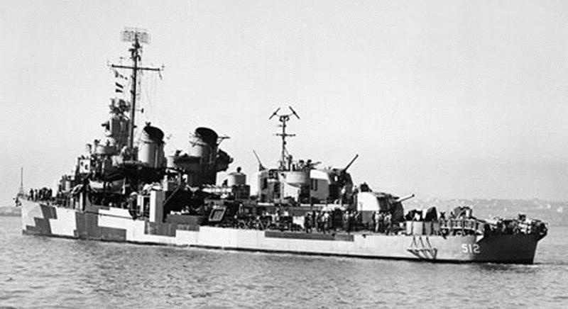 USS_Spence_(DD-512)_in_San_Francisco _Bay,_California_(USA),_on_9_October_1944_